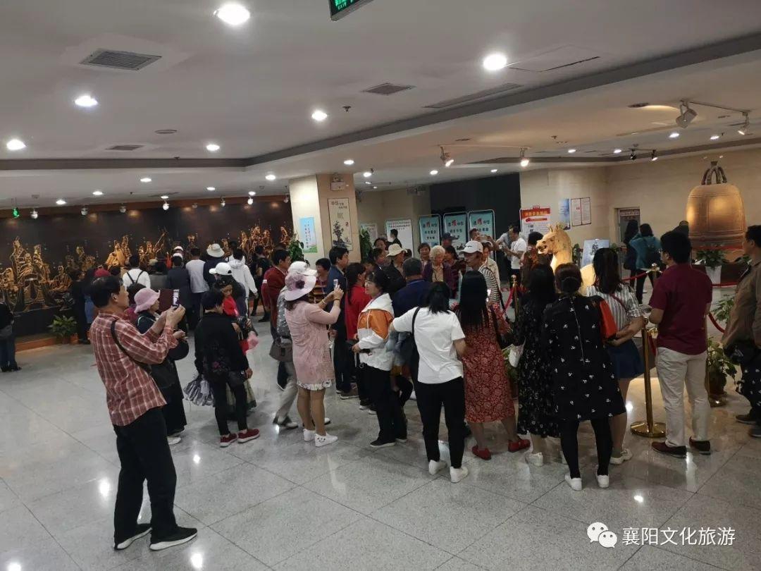 五一假期,不是只有景区人山人海,看看襄阳市博物馆的人气有多旺!!